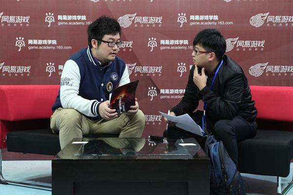 《梦幻西游手游》制作人陈俊雄接受媒体朋友的采访